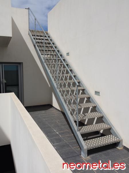 Barandillas acero inoxidable for Construccion de escaleras de hierro